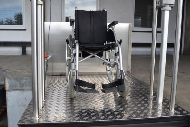Rollstuhl Hebebühne MB750 Micro B